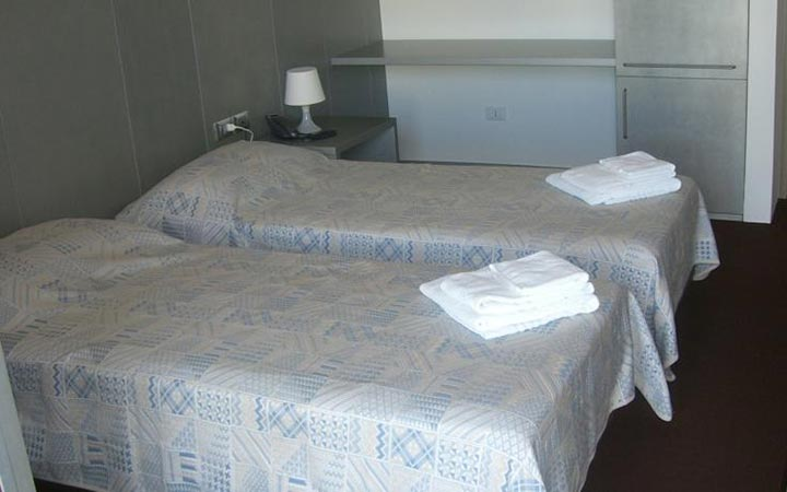Twin room hotel europa grado for Hotel euro meuble grado